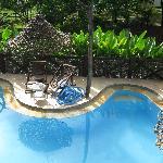 Vista de la Piscina desde el comedor