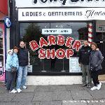 En la famosa barbería en Penny Lane