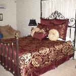 The Clarendon Inn Room 2