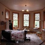 Miramont Castle - bedroom