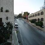 Blick von der Hotel Terrasse in Richtung Beit Jala; direkt gegenüber, überhalb des rechten Gebäu