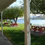 Lake Pateros Inn Picnic tables outside our door.