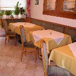 Blick in den Frühstücksraum bzw. Aufenthaltsraum