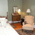 Sage room with recliner