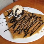chocolate and praline crepe