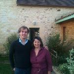 Brigitte et moi devant sa maison d'hôtes