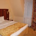 ホテル客室 ベッドは大きい