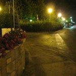 incrocio machiavelli-piazzale dante e via burlamacchi con veduta del piazzale della stazione fer