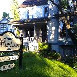 Winchester Inn and Restaurant by Rochelle Carr