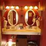 Oriental Poppy Bathroom