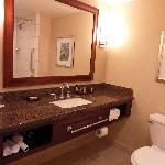 Room 507-- huge bathroom!