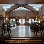 Lobby Bar & Library