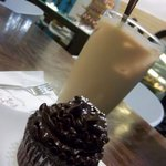 Iced coffee and lovely chocolate cupcake!