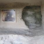 Blick in eine der Höhlen