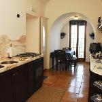 Torre di Cesare : Main kitchen and Lounge