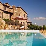 Casale Fontanelle con piscina a sfioro