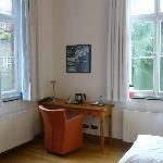 Einzelzimmer - Schreibtisch