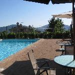 La bella e grande piscina con vista!