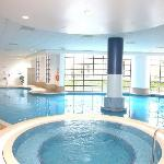 Swimming pool, sauna, steam room & jacuzzi
