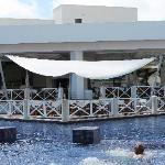 Seaside Grill/Swim-up Bar Pool
