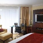 Deluxe room with King sized bed - JW Marriott Hotel Hong Kong
