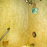 Westin Prince Rm 1108 Bathroom