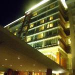 vista de noche del hotel