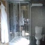 Crosthwaite Suite Bathroom