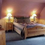 Suite front bedroom