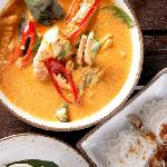 signature crab curry with heated glass noodle