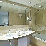 Bathroom Suite Executive Hotel Ultonia - Girona