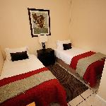 2e slaapkamer met 2 enkele bedden