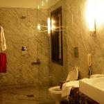Suit Washroom