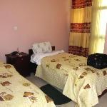 Twin share bedroom