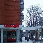 A una cuadra de Plaza Colón