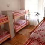 8-beds dorm
