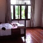 room 422 bedroom