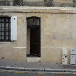 Ingresso stanza e finestra bagno