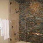 Shower/Steam room/Tub