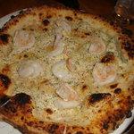 white scampi pizza