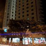 TRYP Medellin de noche