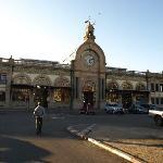 der Bahnhof von Tana in der Ave.de Independante