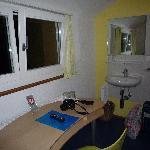 Habitación stándard, con lavabo, baño compartido