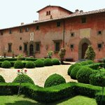 la villa e il giardino