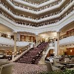 The Westin Grand Berlin - Lobby mit Freitreppe