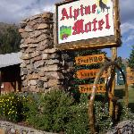 The Alpine Motel sign.