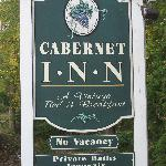 Cabetnet Inn sign