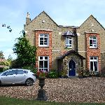 Lovely house in spacious gardens