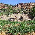 Entrance of Guina Dogon - Neni