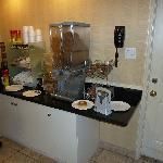 HoJo Scarborough - Frühstücksbuffet